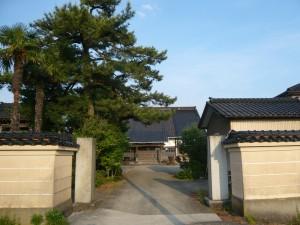 光琳寺 塀の外 正面